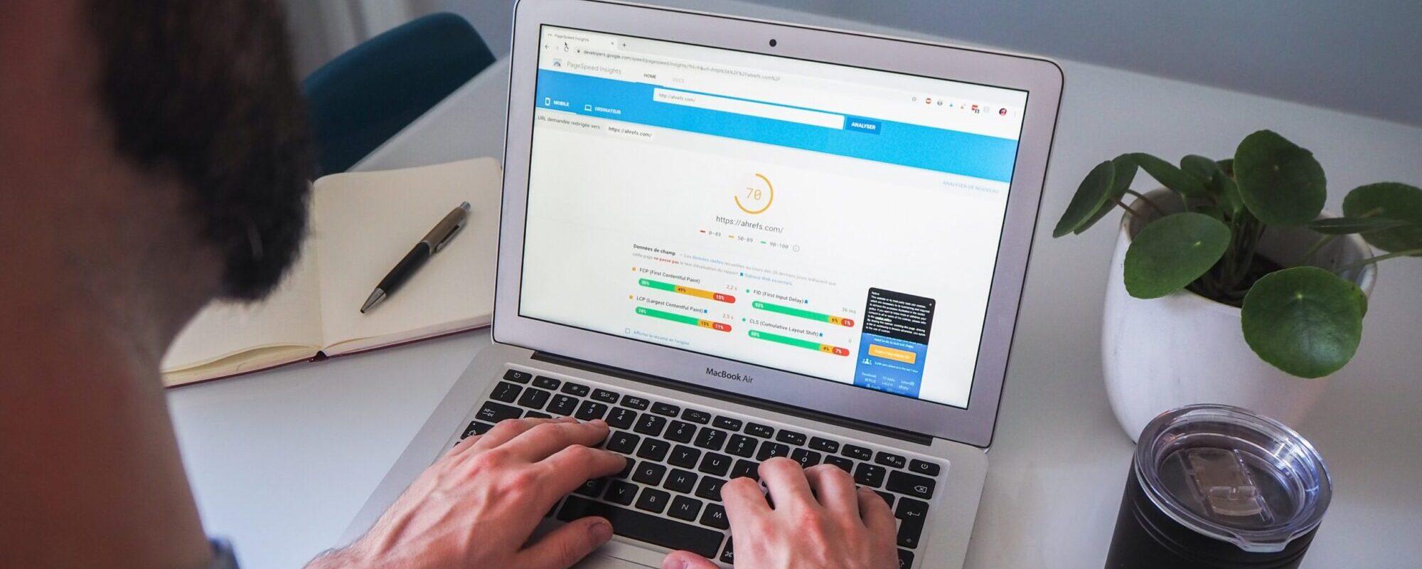 SEO optimering med online markedsføring